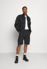 Nike SB - CARGO UNISEX - Shortsit - black - 1