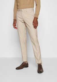 Isaac Dewhirst - PLAIN LIGHT SUIT - Completo - light brown - 4