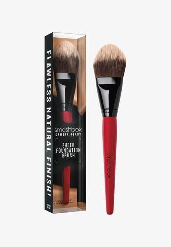 SHEER FOUNDATION BRUSH - Makeup brush - -