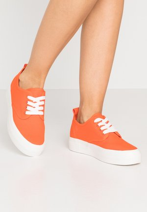Sneakers laag - orange