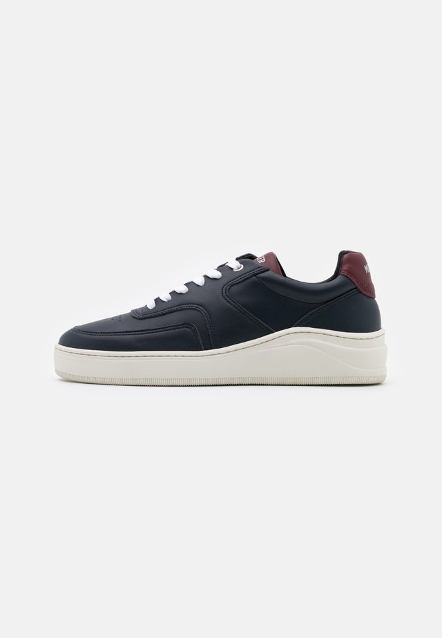 VEGAN - Sneaker low - navy/red
