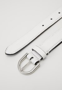 Calvin Klein - EVERYDAY FIX BELT  - Cinturón - white - 4