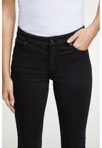Oui - Slim fit jeans - black - 3