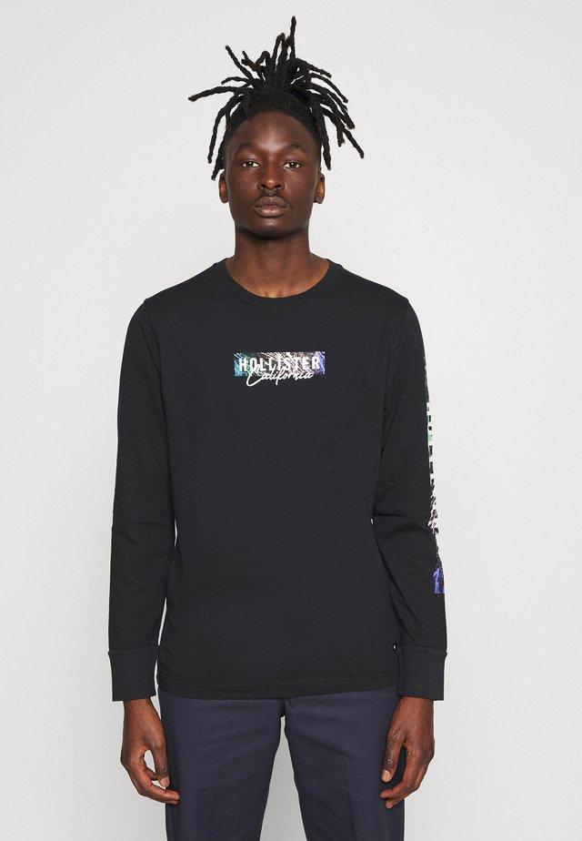 LARGE SCALE TECH LOGO  - T-shirt à manches longues - black