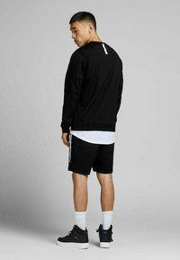 Jack & Jones - Sweatshirt - black - 2