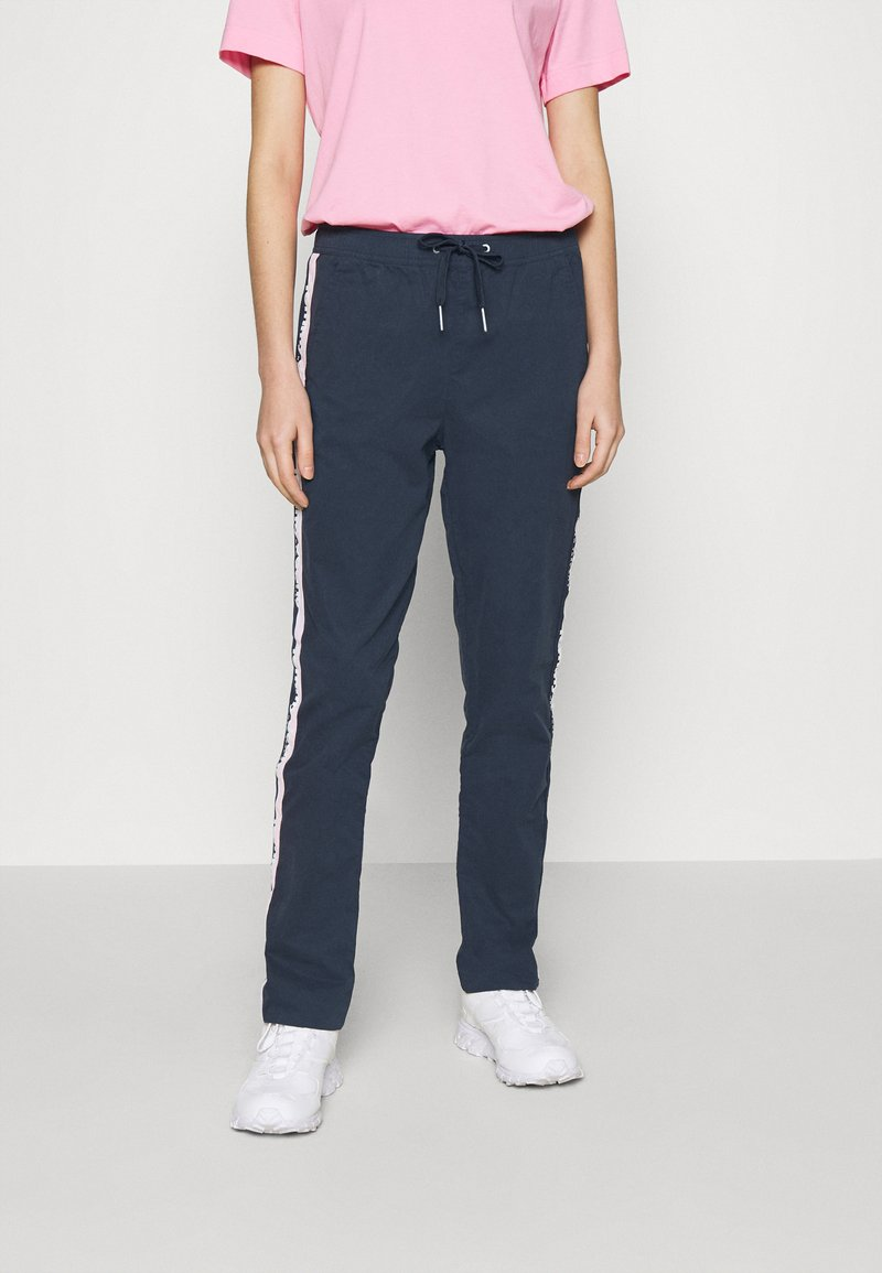 Tommy Jeans - SIDE STRIPE PANT - Trousers - twilight navy