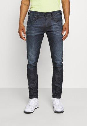 ANBASS RESIN PLUS - Jeans fuselé - dark-blue denim