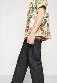 Nudie Jeans - TUFF TONY - Jeans relaxed fit - dry malibu - 3