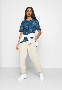 Nike Sportswear - TEE ICON CLASH - Camiseta estampada - valerian blue - 1