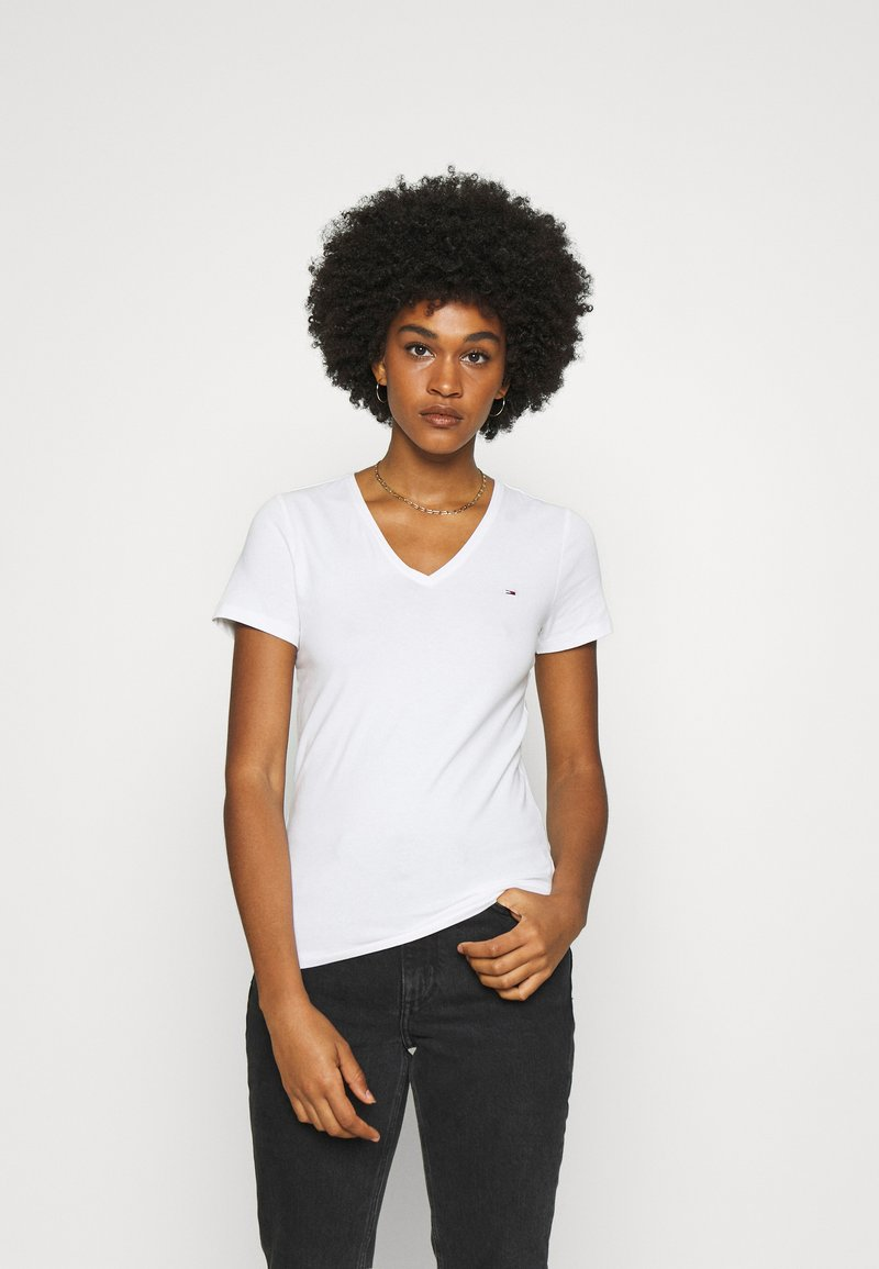 Tommy Jeans - SKINNY STRETCH V NECK - T-shirts - white