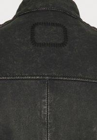 Tigha - PHILIAN - Skinnjacka - black stone wash - 6