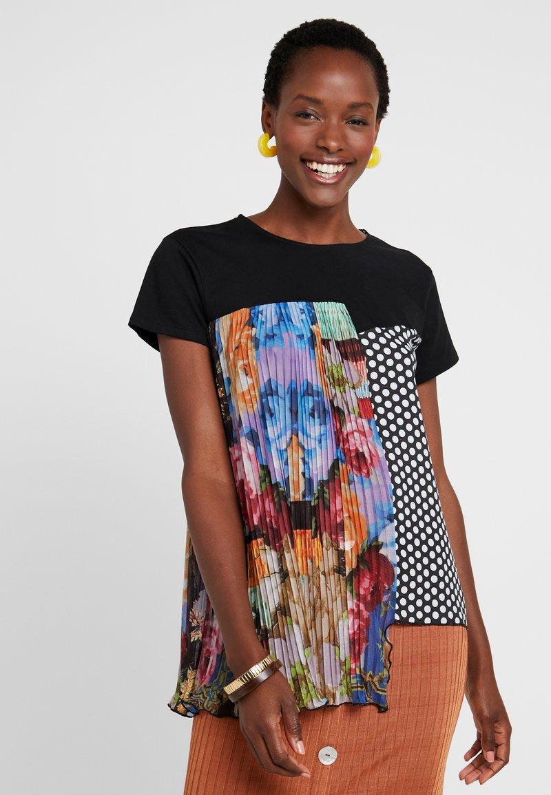 Desigual - FLORENCIA - T-shirt z nadrukiem - black