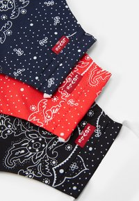 Levi's® - REUSABLE BANDANA FACE COVERING UNISEX 3 PACK - Stoffen mondkapje - blue/black/red - 4