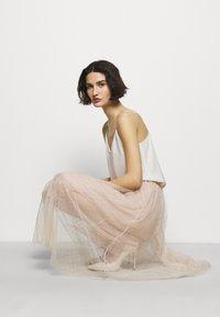 Needle & Thread - KISSES MIDAXI SKIRT - A-Linien-Rock - pearl rose - 3