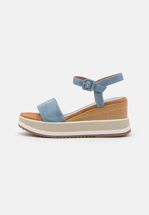 KOLLA - Sandály na platformě - jeans