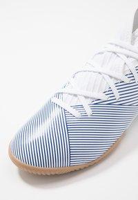 adidas Performance - NEMEZIZ IN - Chaussures de foot en salle - footwear white/royal blue/core black - 2