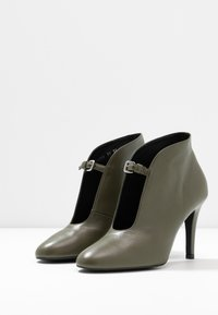 Toral - High heeled ankle boots - tibet pino - 4