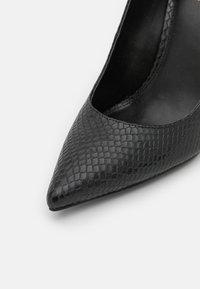 MICHAEL Michael Kors - KEKE  - Classic heels - black - 6