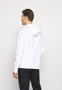 Tommy Hilfiger - ICON BADGE HOODY - Sweat à capuche - white - 2
