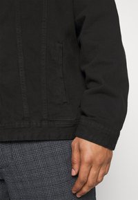 Jack´s Sportswear - JACKET - Džínová bunda - keep black - 5
