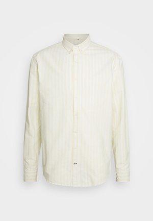 JOHAN OXFORD STRIPE  - Shirt - yellow