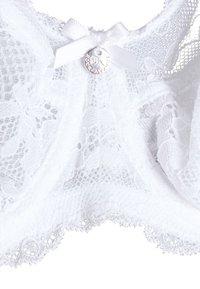 Boux Avenue - MOLLIE NON PAD - Sujetador con aros - white - 2
