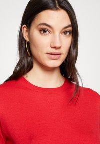 Steffen Schraut - CLAIRE ESSENTIAL  - Basic T-shirt - red lips - 3