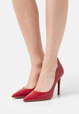 KEKE  - Classic heels - framboise
