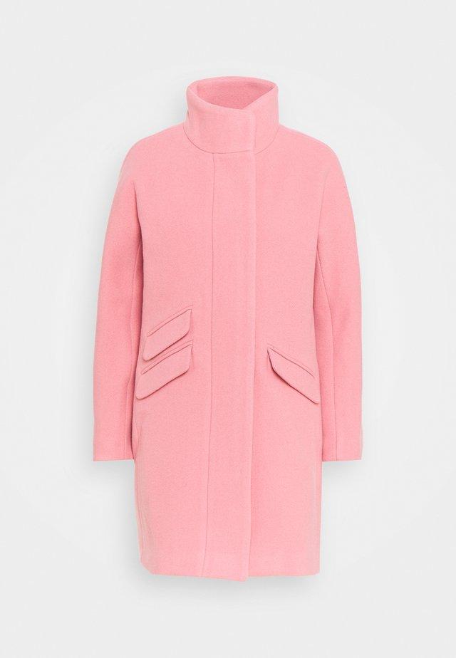 Klasický kabát - pale blush