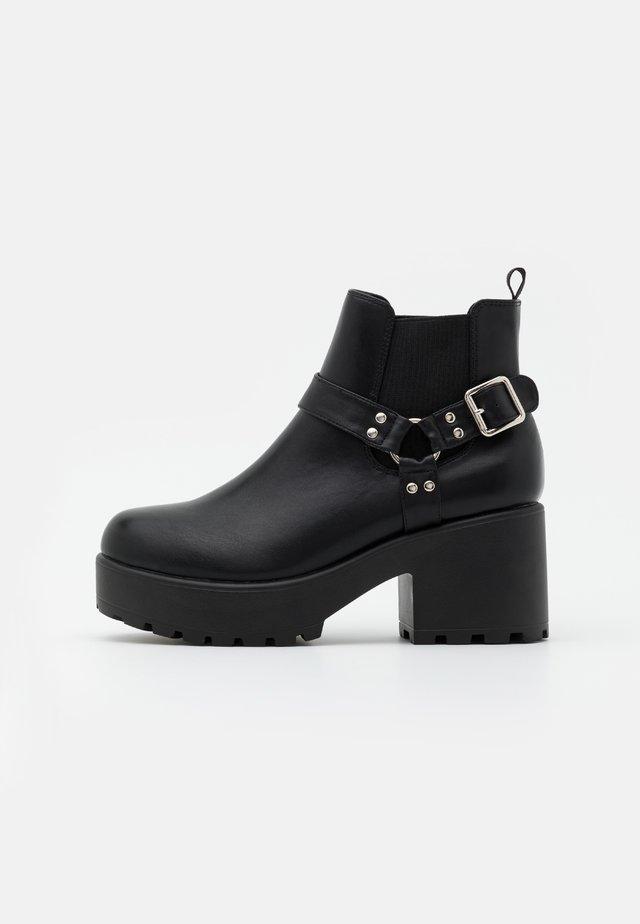 VEGAN AXEL - Ankle boots - black
