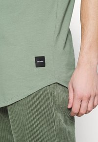 Only & Sons - ONSMATT - T-shirt - bas - hedge green - 4