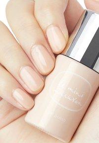 Le Mini Macaron - GEL POLISH - Nail polish - creme brûlée - 1