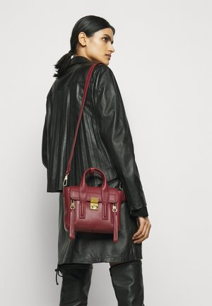 PASHLI MINI SATCHEL - Bolso de mano - pomegranate