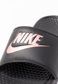 Nike Sportswear - BENASSI JDI - Mules - black/rose gold - 2