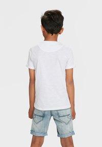 WE Fashion - WE FASHION JONGENS T-SHIRT - T-shirt basic - white - 1