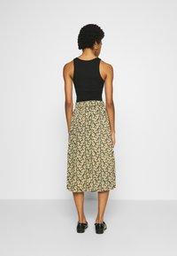 Moss Copenhagen - KAROLA RAYE SKIRT - A-line skirt - black - 2