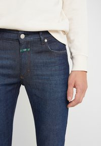 CLOSED - UNITY - Jeans Slim Fit - dark blue - 6