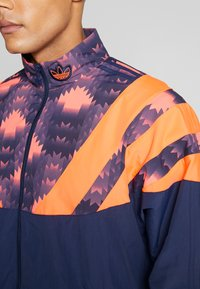 adidas Originals - GRAPHICS SPORT INSPIRED TRACK TOP - Training jacket - blue - 5
