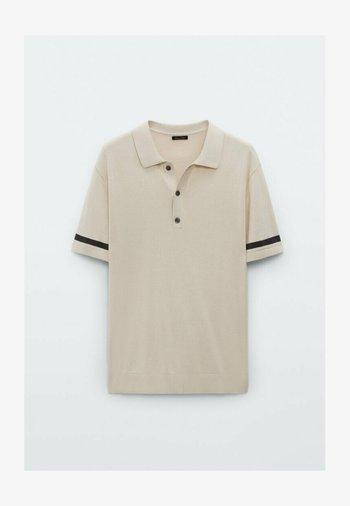 MIT STREIFEN  - Polo shirt - beige