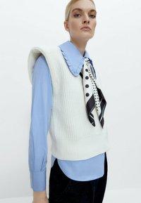 Uterqüe - Button-down blouse - blue - 3