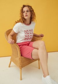 More & More - WORDING - Print T-shirt - white - 1