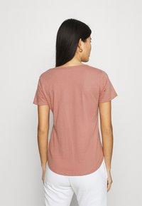 Abercrombie & Fitch - VNECK 3 PACK - T-shirt basic - light blue/white/dark pink - 3