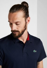 Lacoste Sport - TENNIS - Sports shirt - navy blue/white/ red - 3