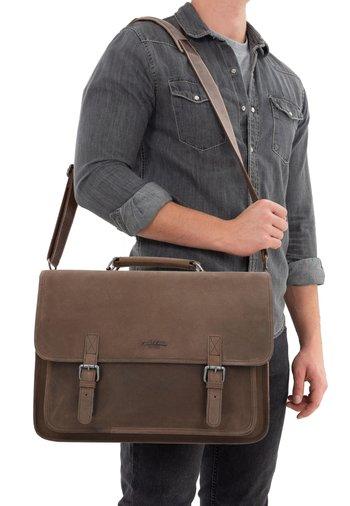 Briefcase - walnut
