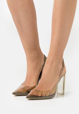 GWEIMA - Classic heels - green