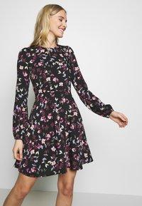 Vero Moda - VMBILLIE SHORT DRESS - Kjole - black/billie - 3