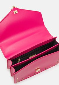 Versace Jeans Couture - STUDS REVOLUTION CROSSBODY - Across body bag - fuxia - 3