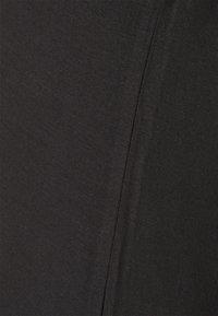 MAMALICIOUS - MLALISON MIX 2 PACK - T-shirt z nadrukiem - black/snow white - 4