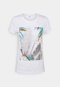ONLY - ONLMACY LIFE FIT TOP BOX - Camiseta estampada - bright white - 0