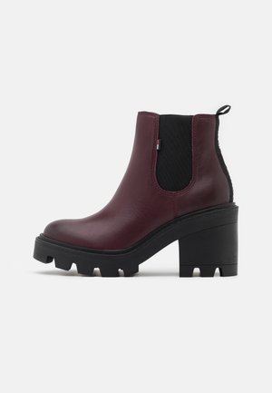 ESSENTIAL MID - High heeled ankle boots - warm mahogany